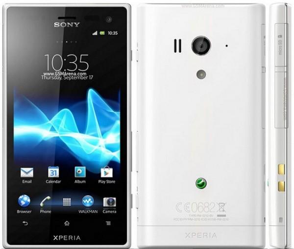 Sony Xperia Acro S - odolnost a bohatá výbava v elegantním těle