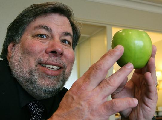Wozniak vlastní akcie Applu v hodnotě 100 miliónů dolarů