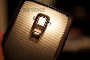 LG G Flex theverge3