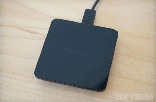 Nexus 5 wireless charging pad
