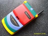 Svého času velmi oblíbený model Motoroly. Namočení do kýblíku s barvou však nebyl uplně nejlepší počin.