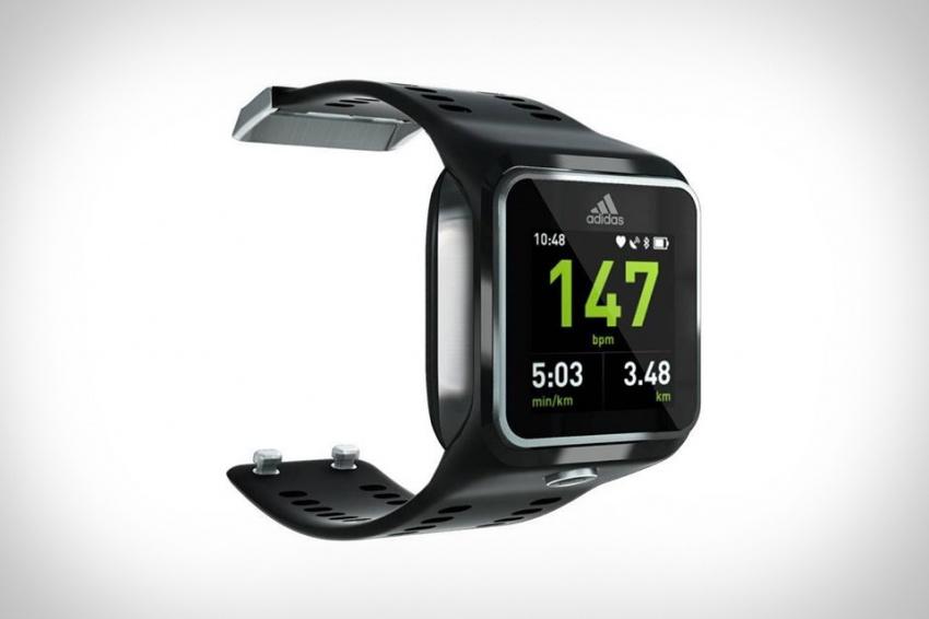 Fitness hodinky od Adidas spolupracují s hudební službou ...