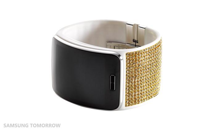 Samsung představuje Swarovski edici chytrých hodinek Gear S